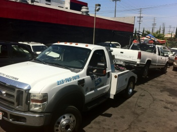 Heavy towing services in LA